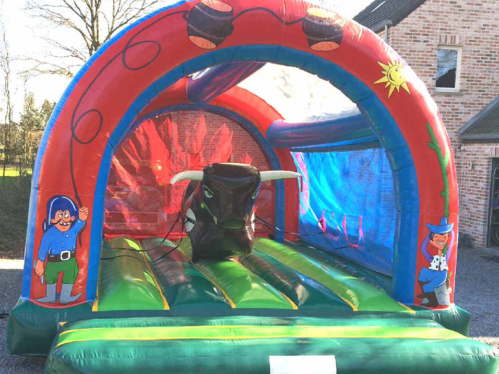 petits chateaux gonflables rodeo